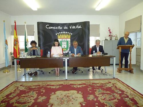 Un día feliz. Presentación en Vilalba de Cinza de estrelas. Fotografía cedida por la autora, Isabel Vázquez Rodríguez.